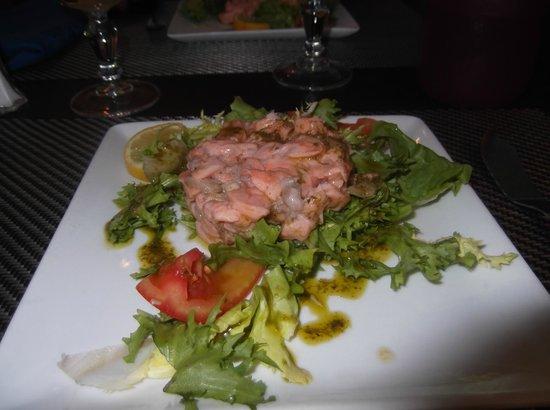 Restaurant le MArseillais : tartare de saumon