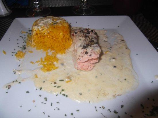 Restaurant le MArseillais : pavè de saumon et riz