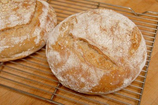 The Shelburne Restaurant & Pub: Sourdough Bread