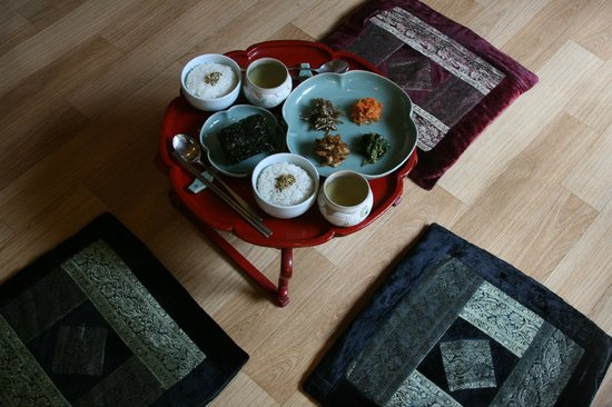 Sopoong Guest House: Traditional Breakfast