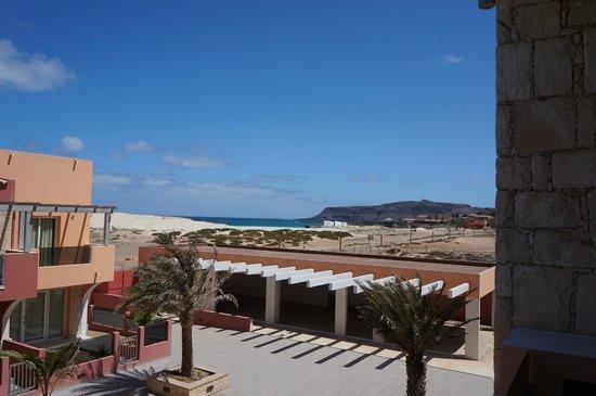 Aparthotel Por do Sol: Vue sur mer de la terasse