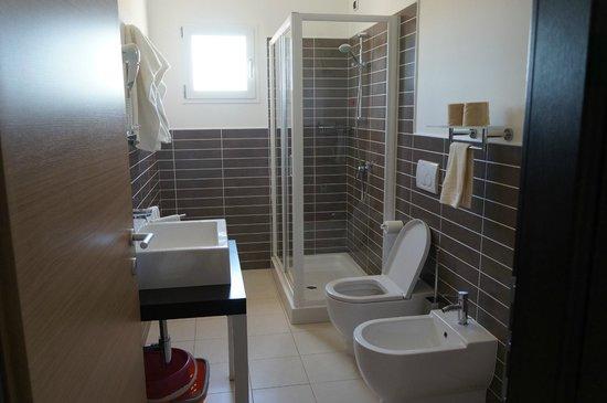 Aparthotel Por do Sol: Salle de bain