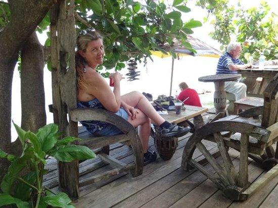 Jambe De Bois: On the deck