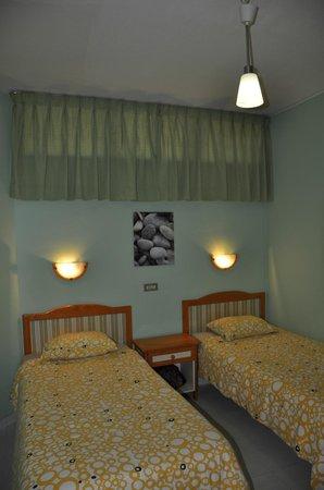 Apartamentos Las Dunas: Спальня