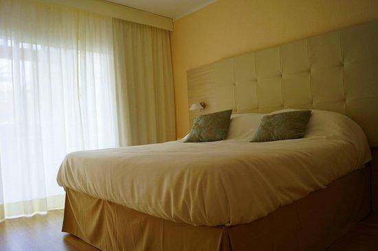 Hotel Viva Bahia: Sypialnia i olbrzyme łóżko