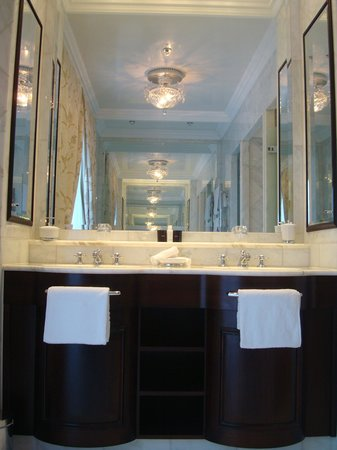 Castlemartyr Resort: Bathroom sink