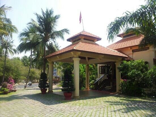 Sunny Beach Resort : главный вход на ресепшен