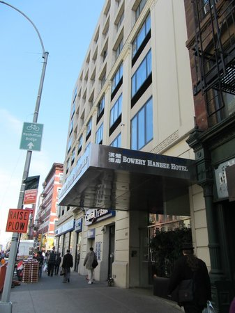 BEST WESTERN Bowery Hanbee Hotel: entrance on Grand Street