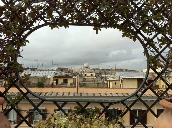 Hotel Isa: Vue depuis la terrasse