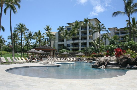 Montage Kapalua Bay: Just a part of the pool experience