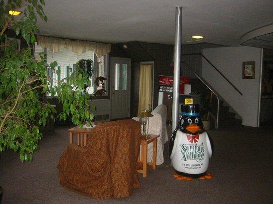 Lancaster Motor Inn : Lobby 2013