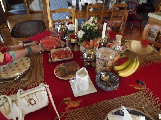 Rancho Bernardo Bed & Breakfast: Fabulous breakfast at Rancho Bernardo