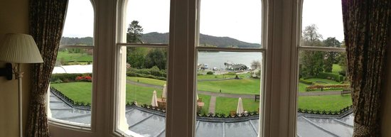 Laura Ashley Hotel The Belsfield: Excuse the Iphone panaroma, doesnt do it full justice. Rest of room was just as good.