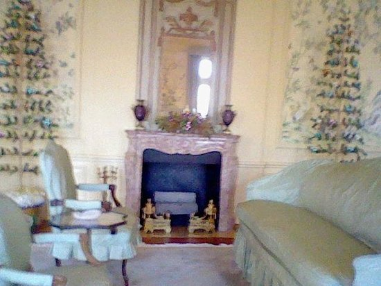 Oldfields-Lilly House and Gardens: Sitting Room