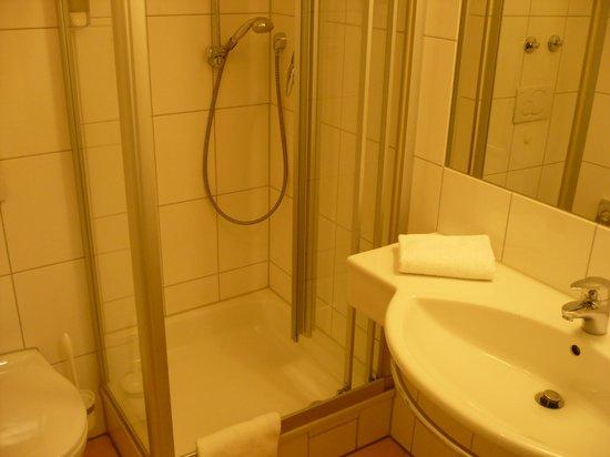 Bierhaeusle Hotel-Restaurant : Bierhaeusle (Freiburg) - Salle de bain