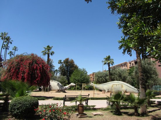 Jardin el Harti : Dinos