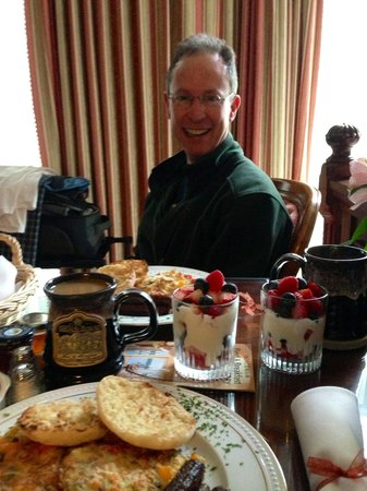 Oscar H. Hanson House Bed and Breakfast: Check out this amazing breakfast!