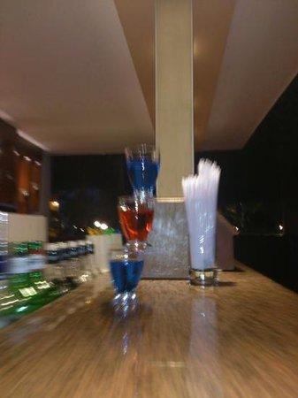 Adora Golf Resort Hotel: Добавить подпись