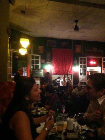 Aqui Es: Live jazz during our visit
