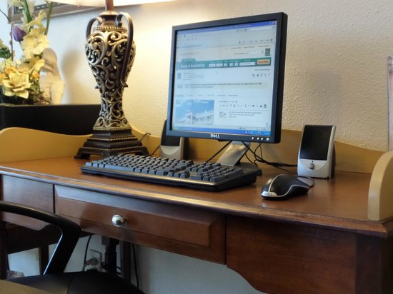 Quality Inn Tulare: Business Center