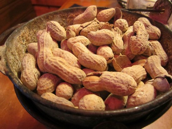 Texas Roadhouse: Peanuts for all