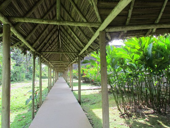 Hotel Hacienda Sueno Azul: walkways
