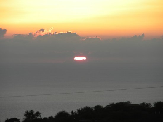 Hale Ho'onanea: sunset from lanai