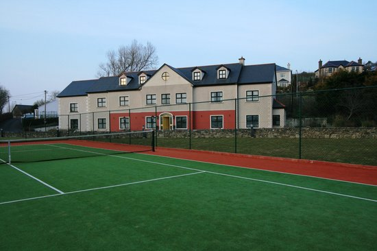Knockranny Lodge tennis court