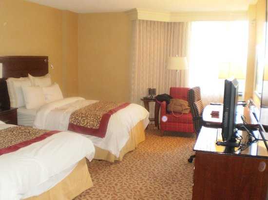 Greenbelt Marriott: Double bed