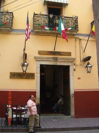 Hosteria Del Frayle: FRENTE HOTEL
