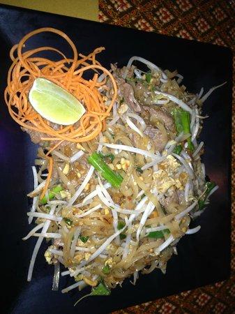 """Pattaya Thai Grille: Beef Padt Kee Mau, or """"Drunken Noodles."""""""