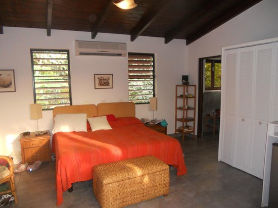 Mango Bay Resort : 2nd floor bedroom 2A
