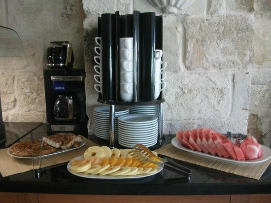 Goreme Inn Hotel: Part of the b'fast spread