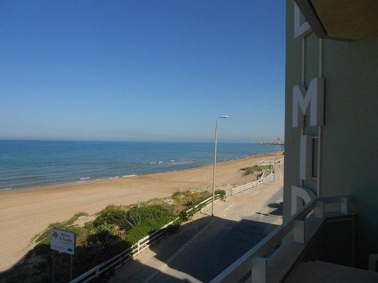 Hotel Mida : spiaggia davanti all'hotel