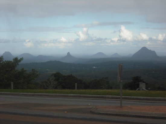 QTour Australia - Day Tours: View of Glasshouse Mountains