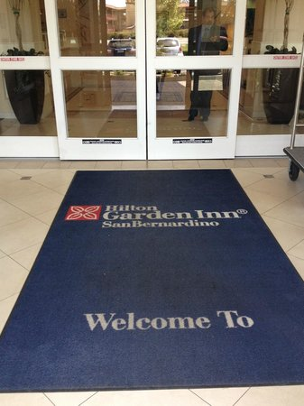 Hilton Garden Inn San Bernardino : Entrance