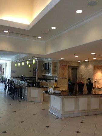 Hilton Garden Inn San Bernardino: Bar