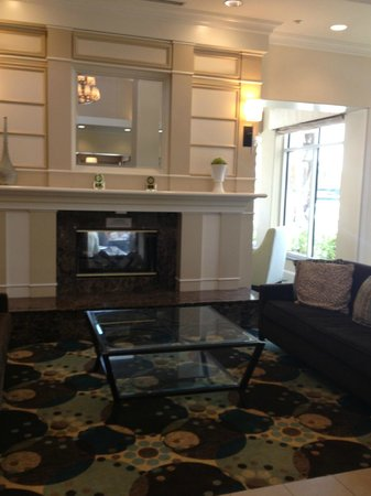 Hilton Garden Inn San Bernardino : Lobby area