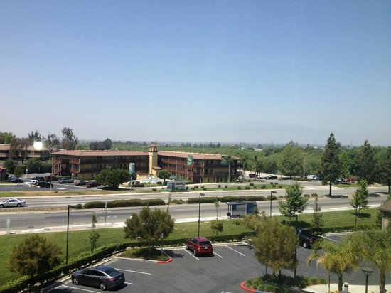Hilton Garden Inn San Bernardino : View from room