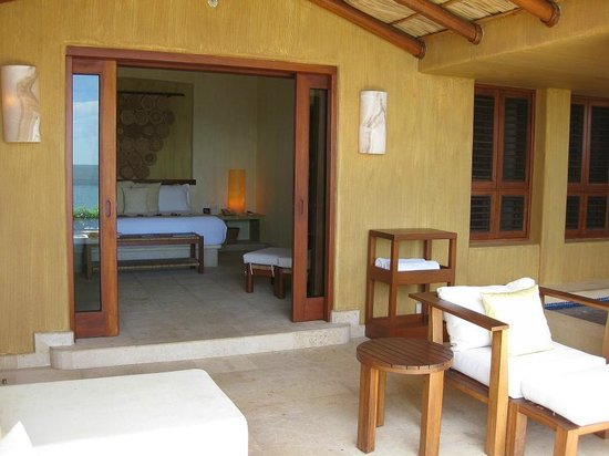 Capella Ixtapa: View of the room, from the terrace