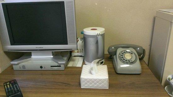 Heiwadai Hotel Arato : 内線電話機が笑える