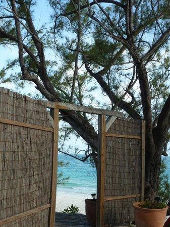 Pigeon Cay Beach Club: division entre cabañas