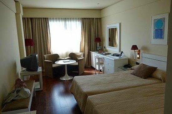 Andalucia Center Hotel: 部屋はそこそこ広い
