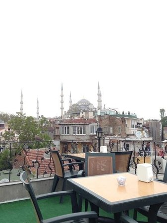 Asmali Hotel : Terrace offers views of sights such as the Blue Mosque