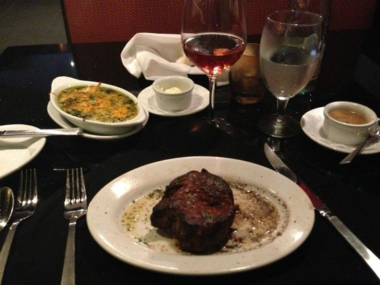 Ruth's Chris Steak House: Filet au poivre and spinach au gratin