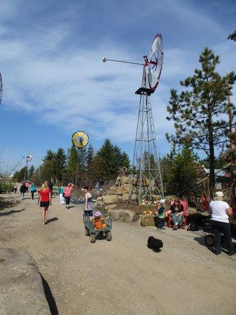 The Saskatoon Berry Farm: Windmill art