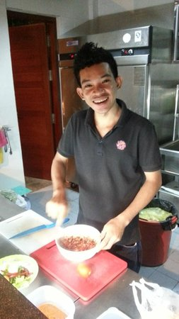 Rambutan Resort - Phnom Penh: Minglee- friendly and helpful chef