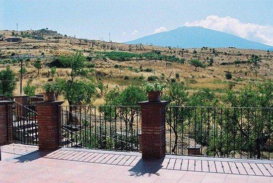 Turismo Rurale Oro Verde Bronte: terrace view