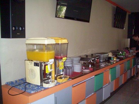 Grand Sinar Indah Hotel : breakfast buffet