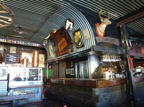 Bojangles Saloon & Restaurant : Interior